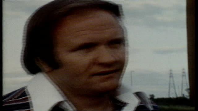 birmingham cs ron atkinson manager of west bromwich sof that might be close to him archive tape 482 v78/3864 t05067809 /nat - 1978 stock-videos und b-roll-filmmaterial