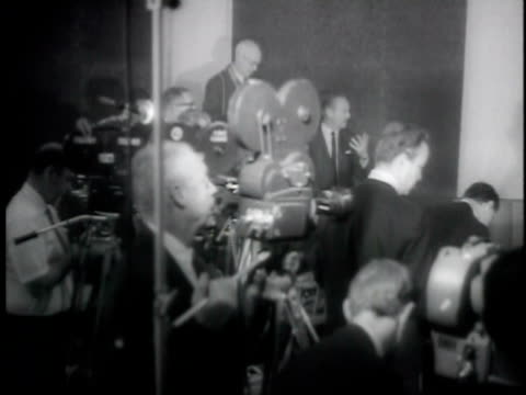 vídeos y material grabado en eventos de stock de willie mays signing new contract worth 130000 per year / usa - usa