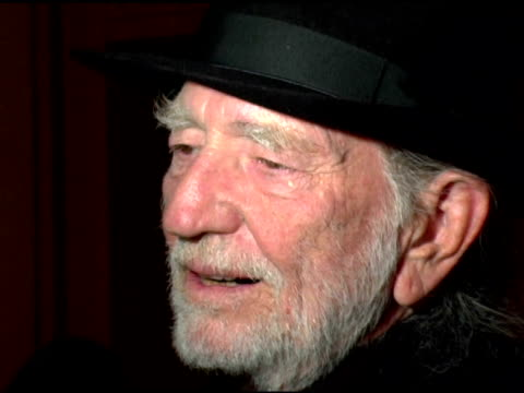 willie nelson at the bette midler's new york restoration project's 'hulaween' at the waldorf astoria in new york, new york on october 31, 2006. - willie nelson stock-videos und b-roll-filmmaterial