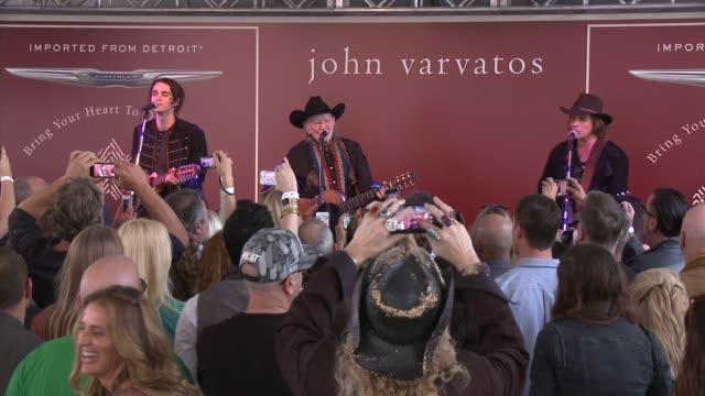 willie nelson at the john varvatos 11th annual stuart house benefit in los angeles, ca 4/13/14 - willie nelson stock-videos und b-roll-filmmaterial