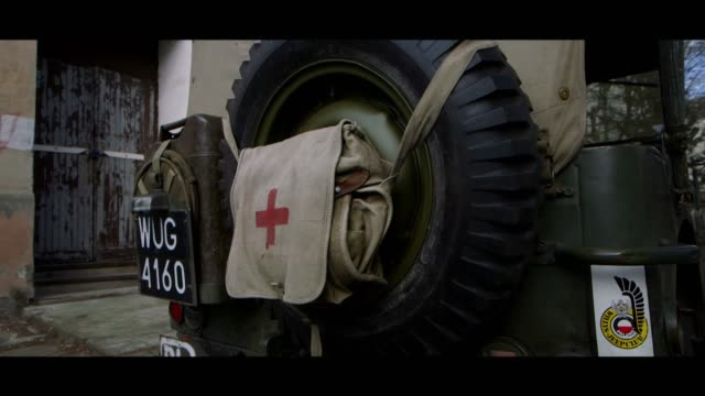 willys mb - spare wheel - first aid kit stock videos & royalty-free footage