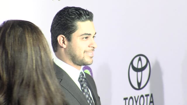 wilmer valderamma at the the 18th annual environmental media awards benefiting the environment at los angeles ca. - environmental media awards stock videos & royalty-free footage
