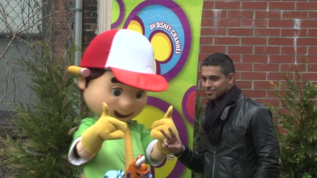 wilmer valderrama and handy manny help nyc kids plant community garden at the wilmer valderrama helps nyc kids plant community garden at new york ny - wilmer valderrama stock videos & royalty-free footage