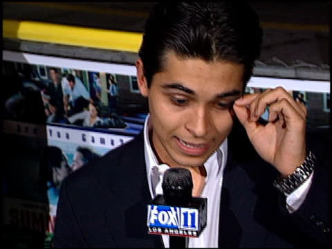 wilmer valderrama at the 'summer catch' premiere on august 22 2001 - wilmer valderrama stock videos & royalty-free footage
