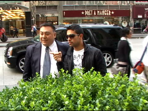 wilmer valderrama looks cool in shades as he arrives at 'fox & friends' in new york 06/21/11 - wilmer valderrama stock videos & royalty-free footage