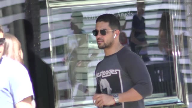 wilmer valderrama takes a phone call while he shops in beverly hills in celebrity sightings in los angeles - wilmer valderrama stock videos & royalty-free footage