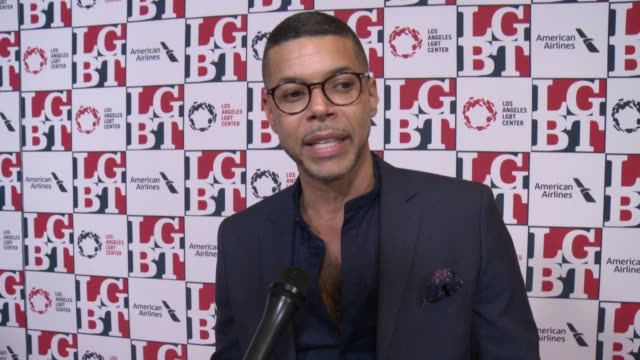 stockvideo's en b-roll-footage met interview wilson cruz on the lgbt center what it does at los angeles lgbt center's 48th anniversary gala vanguard awards in los angeles ca - anniversary gala vanguard awards