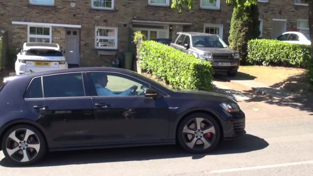 Andy Murray arrival ENGLAND London Wimbledon EXT Car carrying British tennis player Andy Murray arriving at Wimbledon