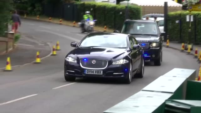 Prince William and Catherine Duchess of Cambridge arrival ENGLAND London Wimbledon EXT Motorcade along and into entrance