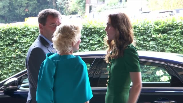 duchess of cambridge arrives to watch women's singles final england london wimbledon all england club ext cars arriving / catherine duchess of... - semi dress stock videos & royalty-free footage