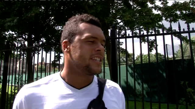 wimbledon championships 2012: andy murray prepares for semi-final; jo wilfred tsonga interview sot - 準決勝点の映像素材/bロール