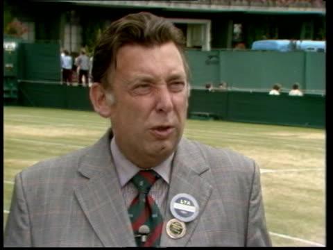 vídeos y material grabado en eventos de stock de wimbledon championships: john mcenroe outburst: umpire intv; england: london: wimbledon: all england club: ext david whitehead interview sot - i... - scream named work
