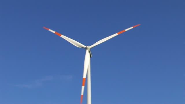energia eolica - girandola video stock e b–roll
