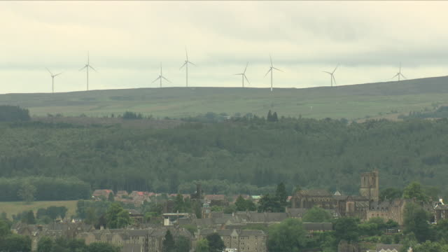 wind farm above stirling, scotland - stirling stock videos & royalty-free footage