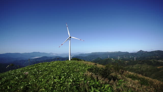Wind power in thesea of clouds,Guilin,China