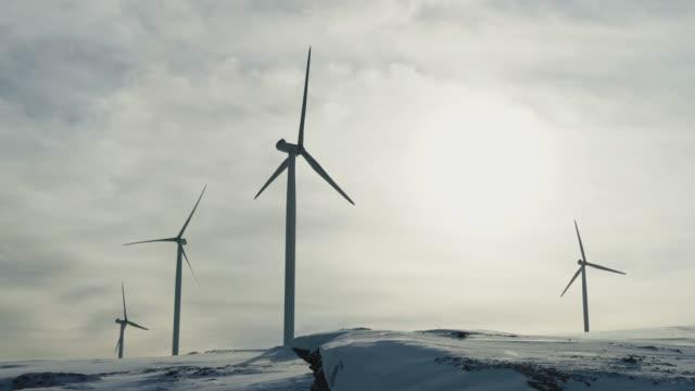 vídeos y material grabado en eventos de stock de energía eólica recursos sostenibles en el ártico - empresa de carácter social