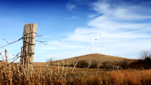 windkraftanlage 5 - oklahoma stock-videos und b-roll-filmmaterial