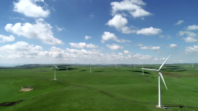 wind turbine on huitengxile grassland - 40 seconds or greater 個影片檔及 b 捲影像