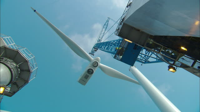 ws, la, wind turbine under construction, netherlands - turbine stock-videos und b-roll-filmmaterial