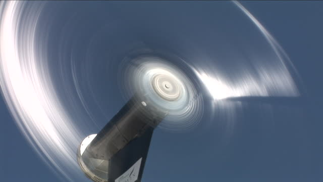 vídeos y material grabado en eventos de stock de hd: aerogenerador - buena condición