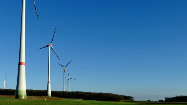 wind turbines 5 - drehen stock videos & royalty-free footage
