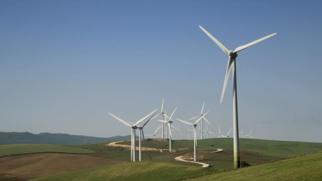 stockvideo's en b-roll-footage met wind turbines in andalusia, spain - voetafdruk