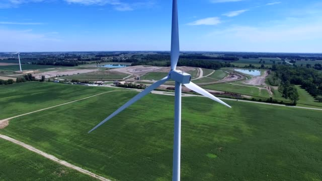 Wind turbines in Bowling Green, Ohio