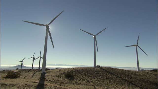 ws, wind turbines on field, california, usa - stationary process plate stock videos & royalty-free footage
