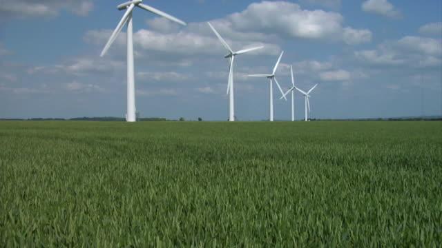 la ws tu wind turbines on westmill wind farm / south oxfordshire, england - oxfordshire stock videos & royalty-free footage
