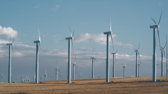 ws wind turbines turning in landscape / zillah, washington, usa   - large group of objects stock videos & royalty-free footage