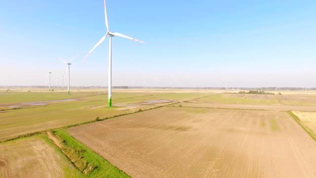 vídeos y material grabado en eventos de stock de antena: turbinas eólicas - poland