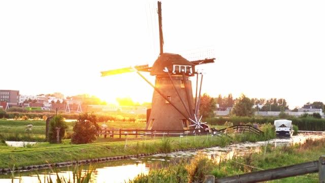 vidéos et rushes de moulin à vent aux pays-bas - culture néerlandaise