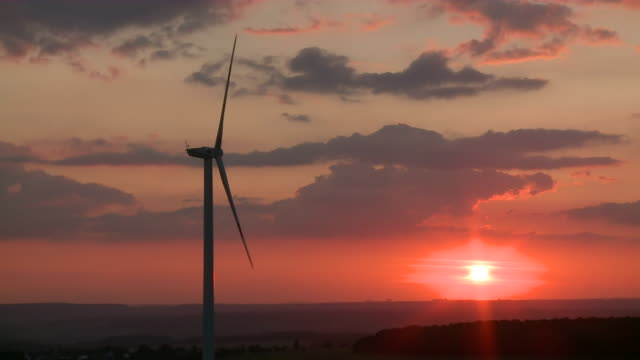 ws windmill rotating at sunset / kirf, rhineland-palatinate, germany - single object stock videos & royalty-free footage