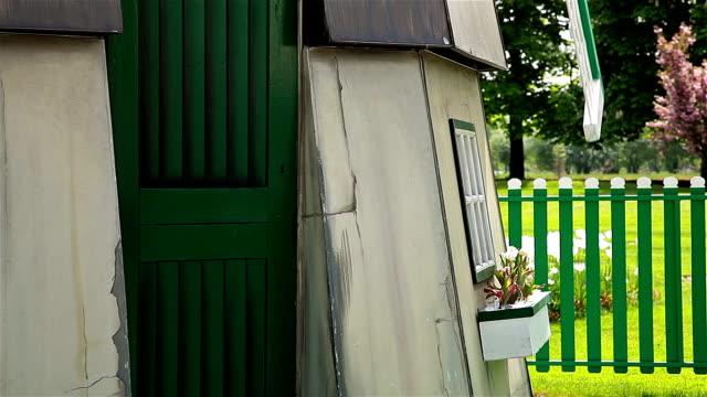 vidéos et rushes de hd: moulin à vent – vue de côté - eco tourism