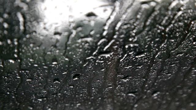 Windschutzscheibe in Regen