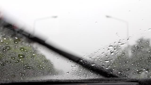 stockvideo's en b-roll-footage met windshield - watervorm