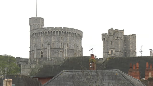 windsor castle, england - berkshire england stock-videos und b-roll-filmmaterial