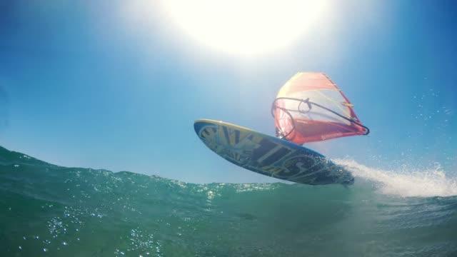 POV windsurfista al mar en sol