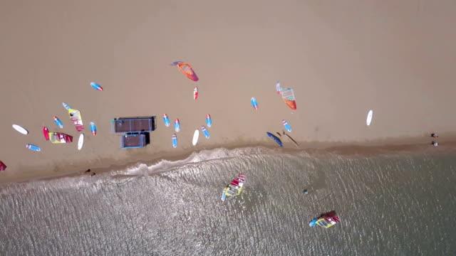 stockvideo's en b-roll-footage met windsurfen kamp van bovenaf - rodos dodecanese eilanden