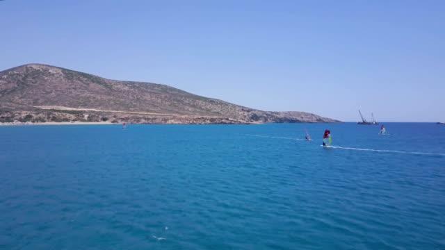windsurfen-mediterran - windsurfen stock-videos und b-roll-filmmaterial
