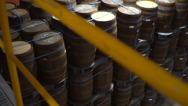 vídeos de stock e filmes b-roll de winery factory - promoções