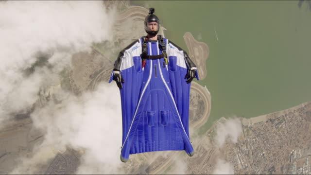 wingsuit pilot - exalterande bildbanksvideor och videomaterial från bakom kulisserna