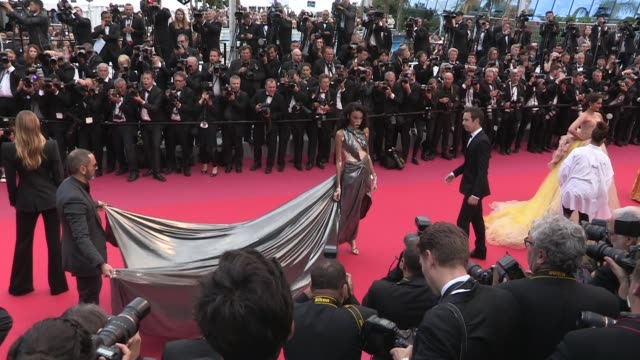 winnie harlow and more on the red carpet for the premiere of solo a star wars story at the cannes film festival 2018 tuesday 15 may 2018 cannes france - winnie harlow stock videos & royalty-free footage