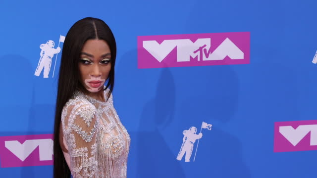 winnie harlow at 2018 mtv video music awards at radio city music hall on august 20 2018 in new york city - winnie harlow stock videos & royalty-free footage