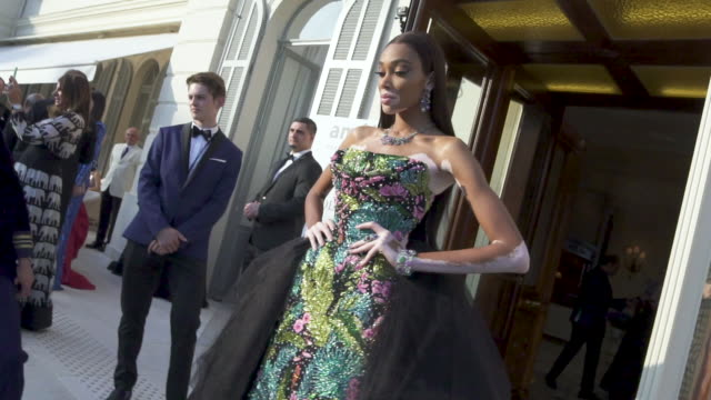 SLOMO Winnie Harlow at amfAR Cannes Gala 2019 Arrivals at Hotel du CapEdenRoc on May 23 2019 in Cap d'Antibes France