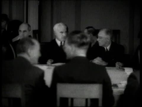 winston churchill smoking - winston churchill politik stock-videos und b-roll-filmmaterial