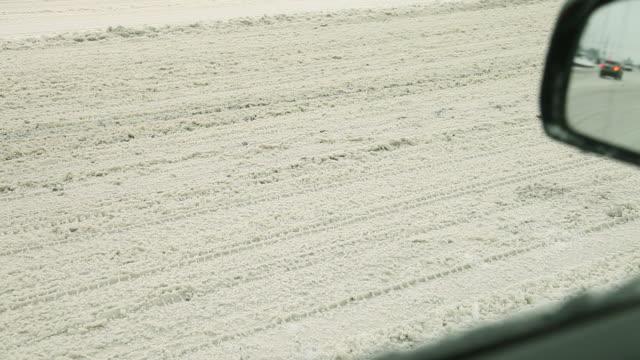 vidéos et rushes de conduire en hiver - neige fraîche
