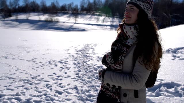 vidéos et rushes de escapade d'hiver - châle