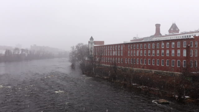 winter in manchester, new hampshire - new hampshire stock-videos und b-roll-filmmaterial