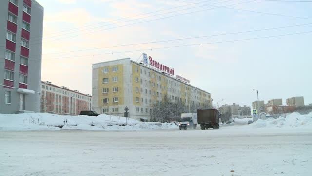 vídeos y material grabado en eventos de stock de winter in murmansk - vehículo comercial terrestre